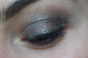 Maquillage close-up MSC paillettes argentées