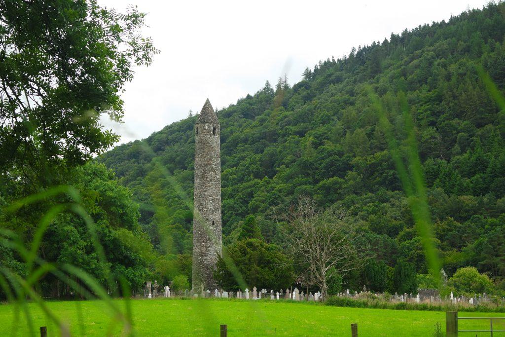 Round tower Glendalough Irlande visiter