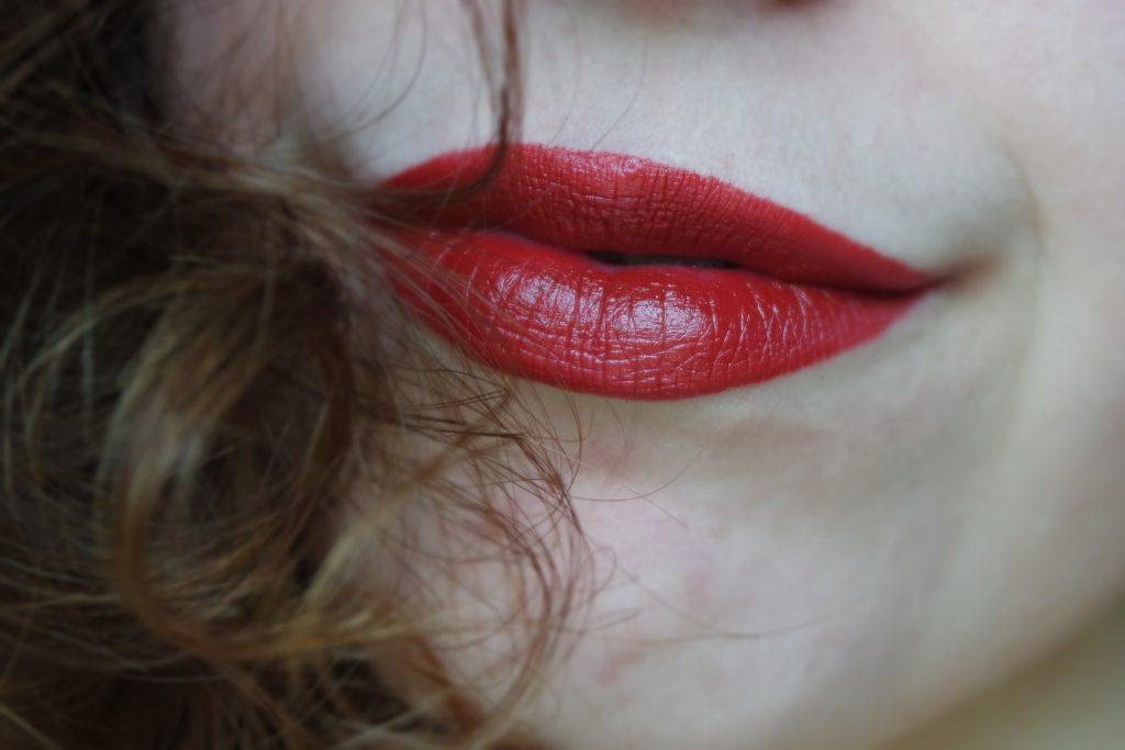 miss scarlett marc jacobs lipstick