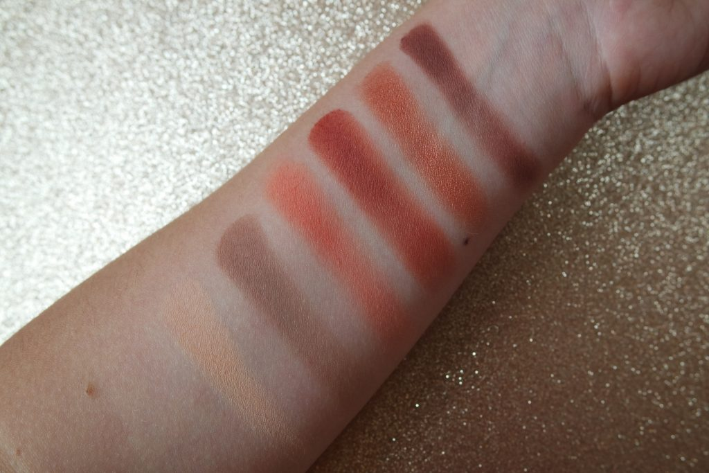 SWATCH fards huda beauty Desert dusk