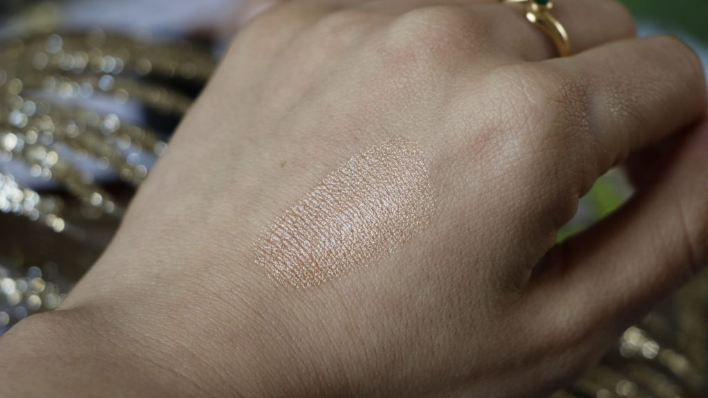dwtn paris swatch medium highlighter revue