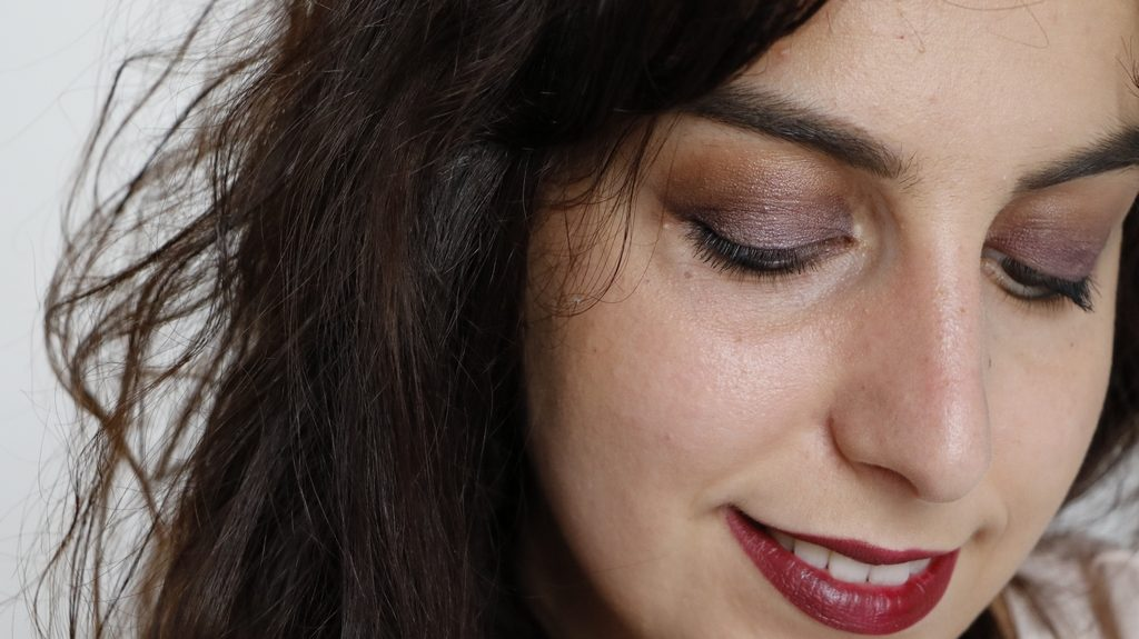 Close up maquillage bio challenge violet lily lolo couleur caramel