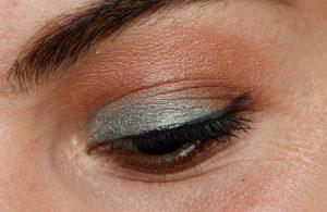 challenge maquillage bio pixie sparkle lily lolo maquillage bleu